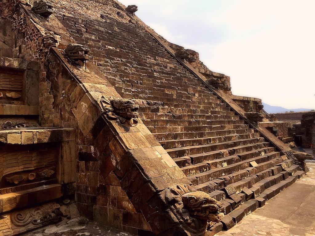 Pyramid-Teotihuacan-Ilkka 1
